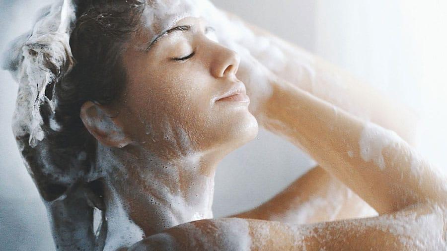 Method 2 – Dish Soap + Baking Soda + Anti-Dandruff Shampoo
