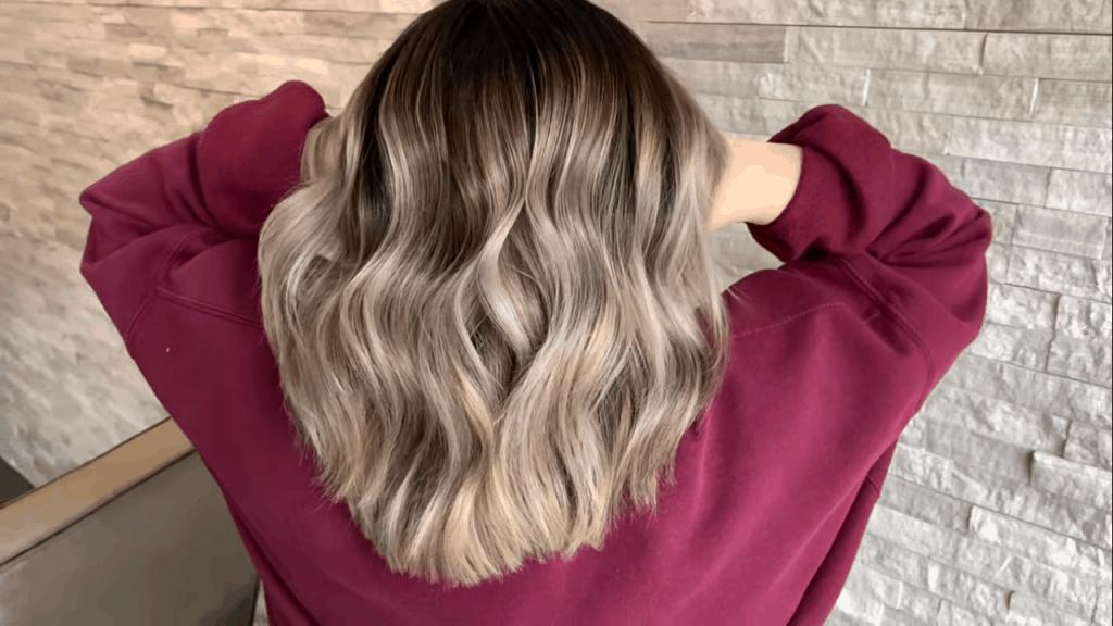 how to blend dark roots with blonde hair