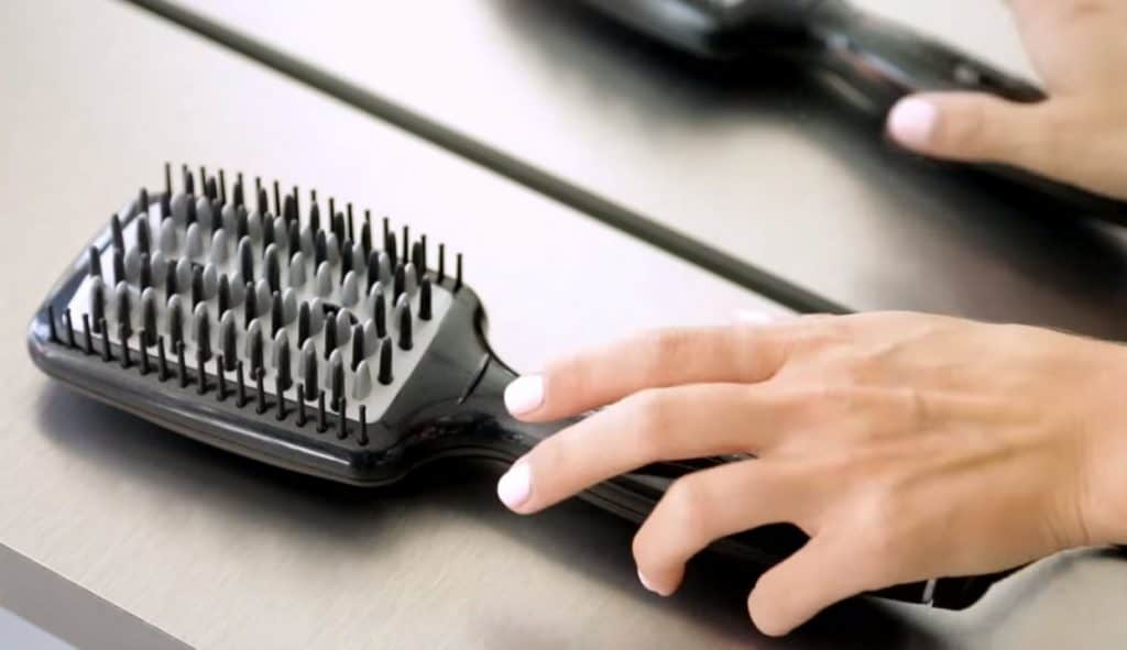how to clean a straightening brush