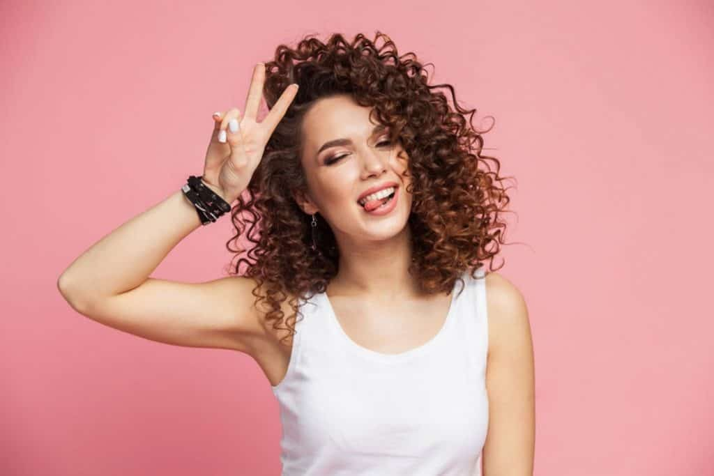 how to blow dry curly hair without a diffuser